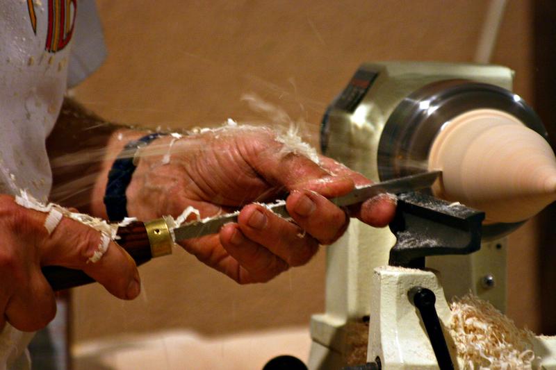 How a Wood Lathe Works