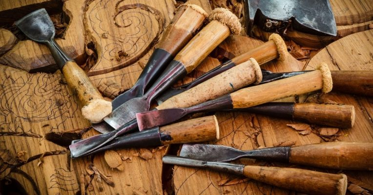 Basic Hand Tools for Woodworking Starter Kit List for Beginners